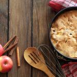 Τεμπέλικη μηλόπιτα με βρώμη και καρύδια